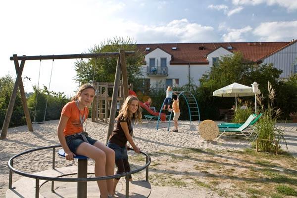 """Familienurlaub im Sonnenhotel """"Bayerischer Hof"""""""